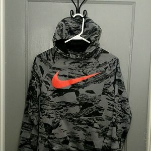 Nike Dri-Fit printed training pullover hoodie.